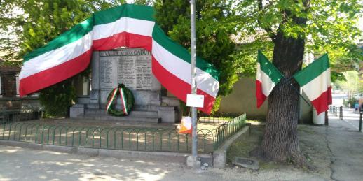 MonumentoPiazzaMartiri